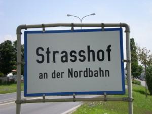 Strasshof3-300x225 in